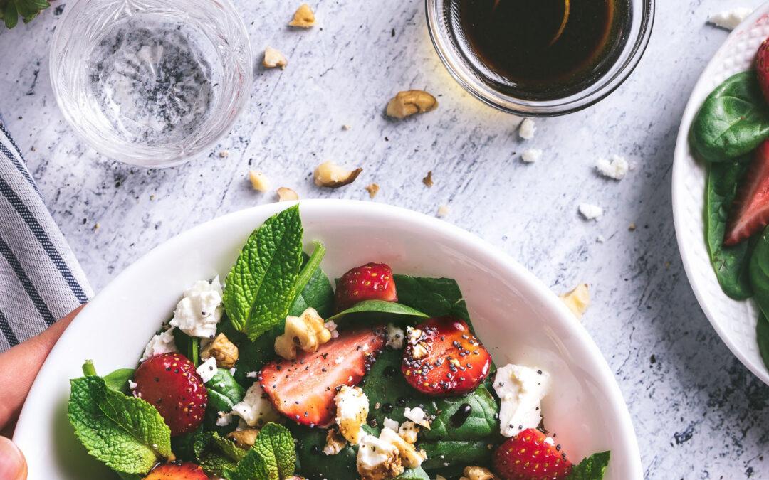 Simple Strawberry Salad